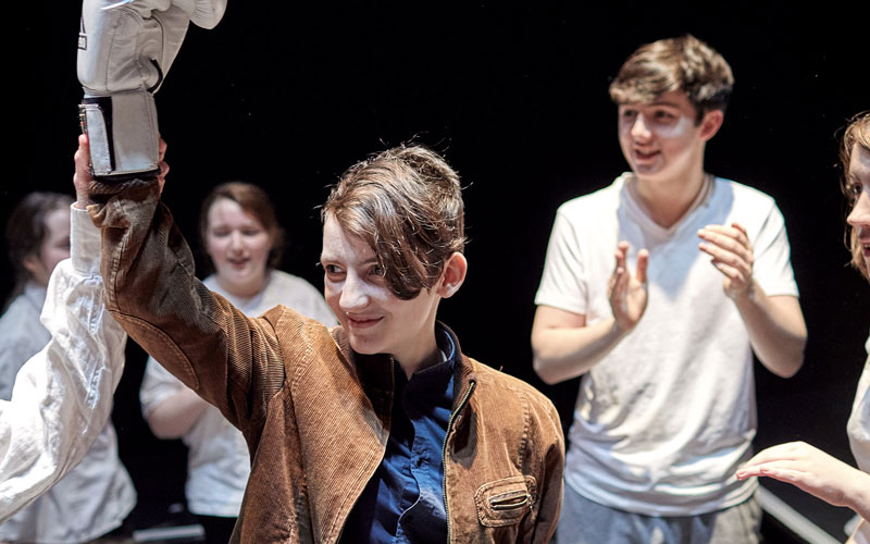 Bugsy Malone, 2020. An Grianán Youth Theatre. Photo by Paul McGuckin.